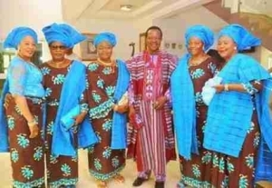 Music Legend, King Sunny Ade Steps Out With His 5 Wives